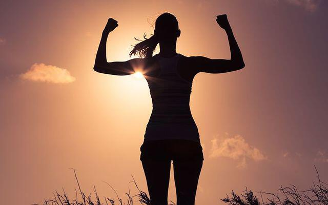 4 esercizi per allenare la forza fisica nelle braccia
