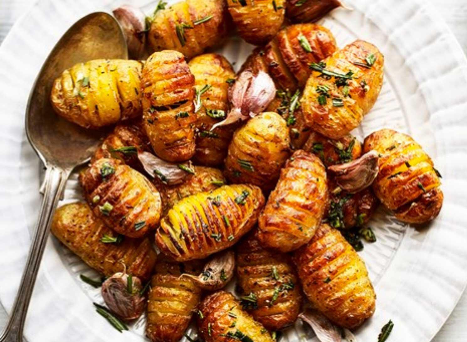 ricette patate, rosmarino e aglio